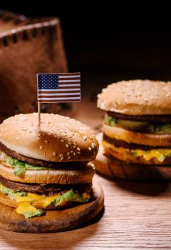 Американские женщины катастрофически быстро толстеют, значительно опережая иммигранток